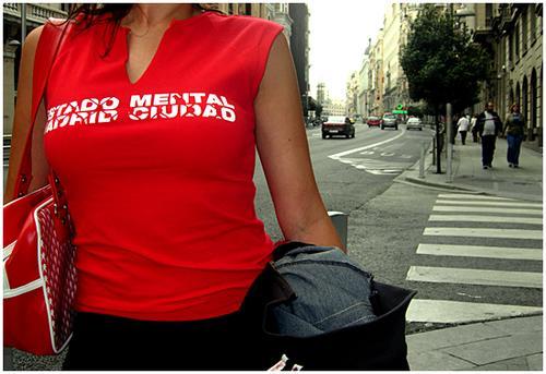 El Sr. Rojo. Camisetas femeninas de Estado Mental Madrid Ciudad